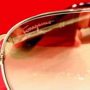 Salvatore Ferragamo Accessories - Salvatore Ferragamo Sunglass Style SF167S